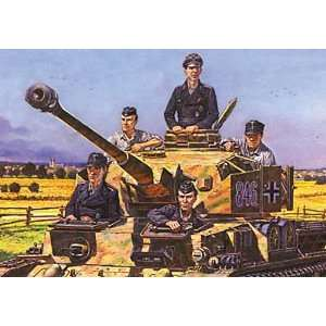 MiniArt 1/35 WWII German Tank Crew Kit Toys & Games