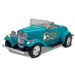 Monogram 1/24 1932 Ford Street Rod Car Model Kit Toys