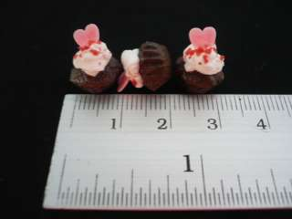 Set of 6 Chocolate of Heart Cupcakes Dollhouse Miniatures Food Supply