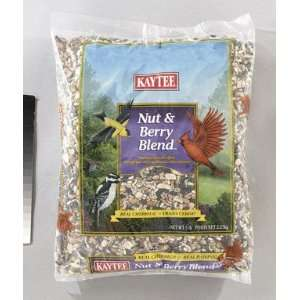 SEED BIRD NUT&BERRY 5LB Patio, Lawn & Garden