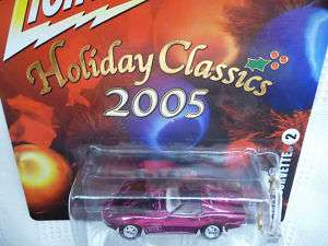 Johnny Lightning 1972 CHEVY CORVETTE 05 HOLIDAY CLASSIC